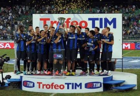 L'Inter alza il Trofeo Tim - Getty Images