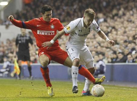 Zanetti e Holtby - Getty Images