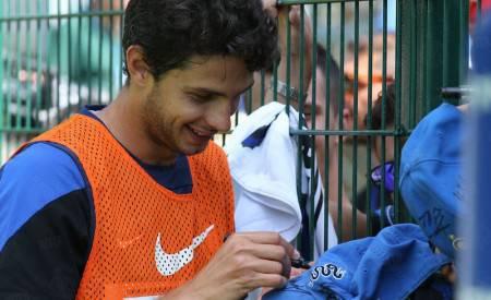 Ranocchia firma autografi a Pinzolo (Inter.it)