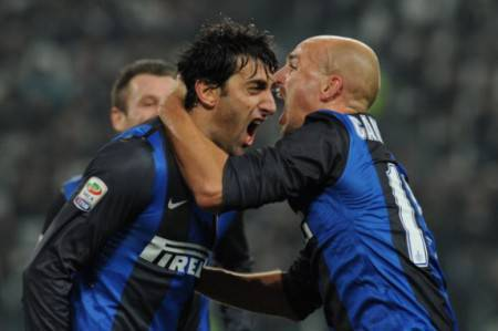 Milito e Cambiasso (Getty Images)