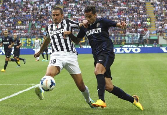 Alvarez contro Bonucci (Getty Images)