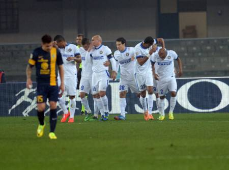 L'Inter festeggia la vittoria del 'Bentegodi' (Getty Images)