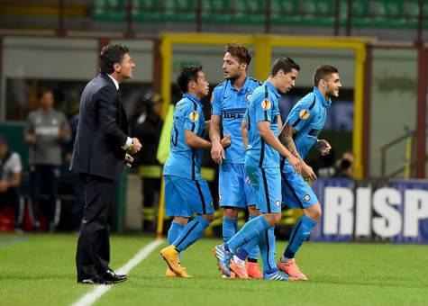 Mazzarri e i giocatori dell'Inter