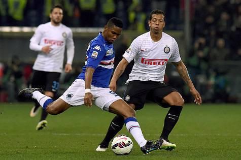 Eto'o contro Guarin in Sampdoria-Inter 1-0