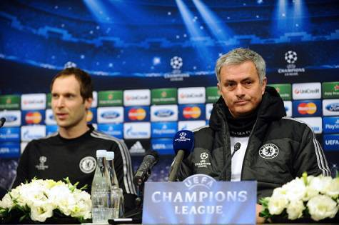 José Mourinho con Petr Cech in conferenza stampa
