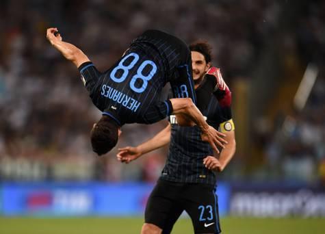 Hernanes, capriola dopo il gol alla Lazio