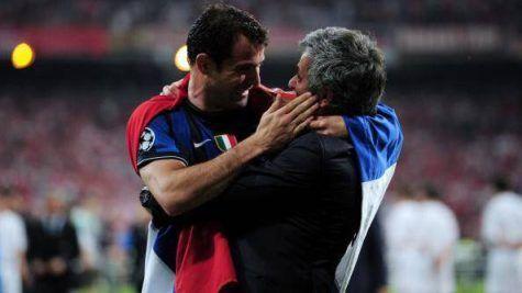 Dejan Stankovic e Mourinho dopo la finale di Champions 2010