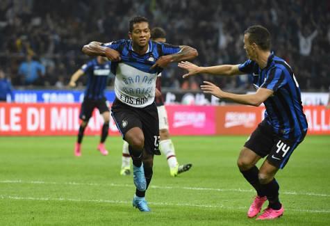 Fredy Guarin esulta dopo il gol nel derby ©Getty Images