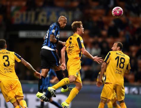 Felipe Melo, di testa, segna al Verona