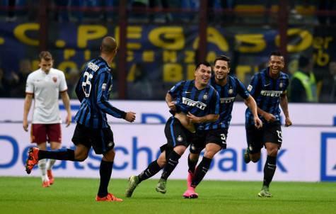 Gary Medel festeggiato dai compagni (Inter.it)