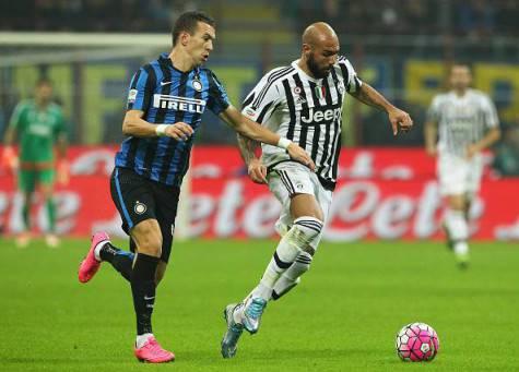 Perisic contro Zaza in Inter-Juventus di campionato ©Getty Images