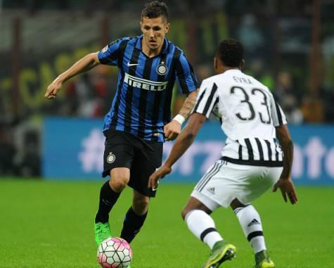 Jovetic contro Evra in Inter-Juventus