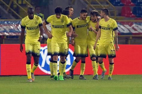 Icardi festeggiato dopo il gol al Bologna (Getty Images)