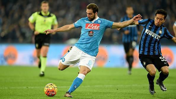 Napoli-Inter, Higuain realizza la rete del vantaggio