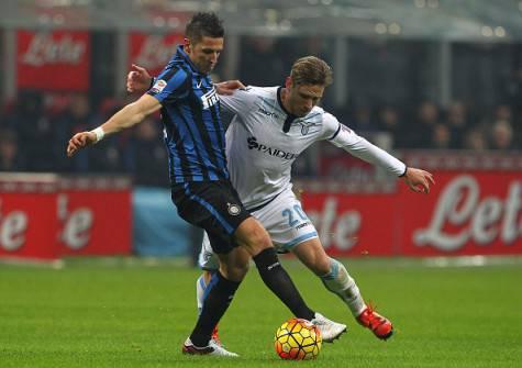 Lucas Biglia contro Stevan Jovetic in Inter-Lazio - Getty Images