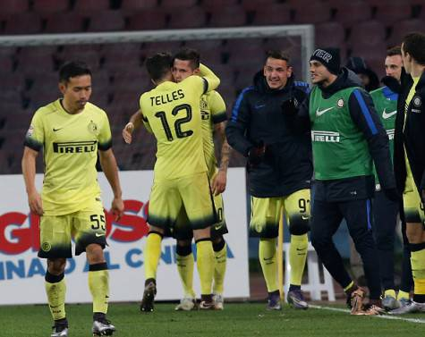 Telles abbraccia Jovetic (Getty Images)