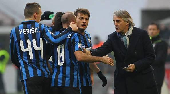 Mancini e i giocatori dell'Inter ©Getty Images