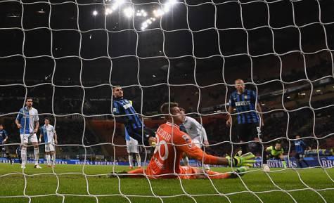 Icardi segna il gol che stende il Chievo ©Getty Images