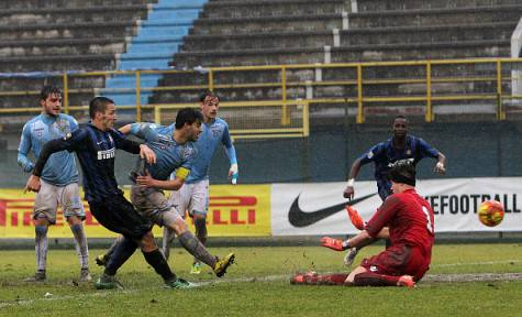 Manaj a segno contro la Lazio nella semifinale di Coppa Italia Primavera ©Getty Images