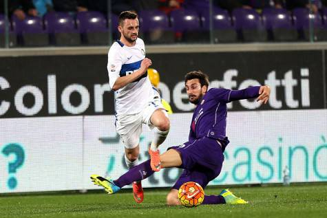 Astori contro Brozovic in Fiorentina-Inter ©Getty Images