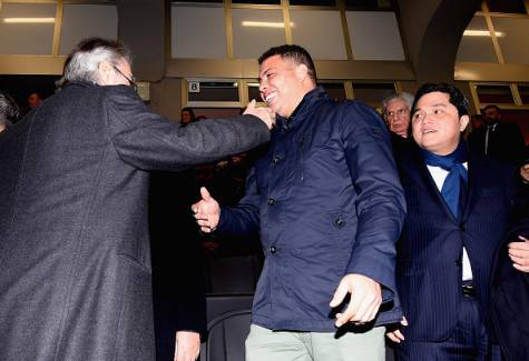 Ronaldo saluta Moratti prima di Inter-Sampdoria ©Getty Images