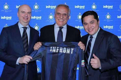 Bogarelli con Thohir e Fassone il giorno dell'annuncio di accordo Inter-Infront ©Getty Images