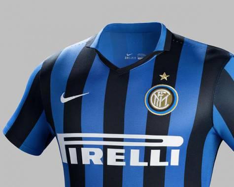 Maglia Inter con 'main sponsor' Pirelli