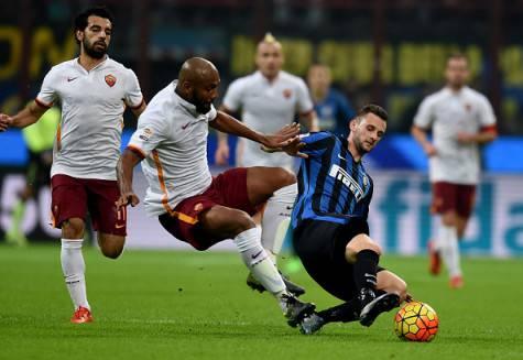 Maicon contro Brozovic in Inter-Roma ©Getty Images