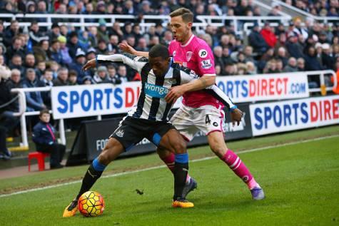 Inter Wijnaldum in azione con la maglia del Newcastle ©Getty Images