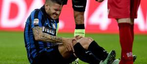 Icardi a terra durante Inter-Bologna ©Getty Images