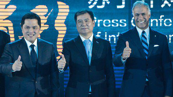 Inter: Thohir, Bolingbroke e Zhang Jindong ©Getty Images