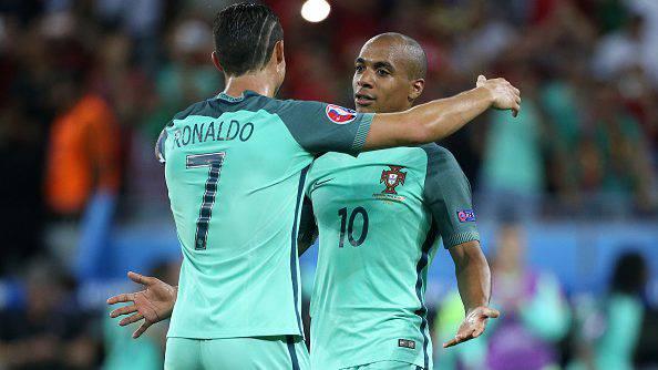 Cristiano Ronaldo con Joao Mario ©Getty Images