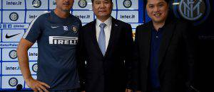 Inter, Zhang con de Boer e Thohir ©Getty Images