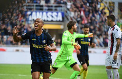 Inter, 40 tifosi assalgono Icardi! Durissimo striscione sotto casa dell'argentino