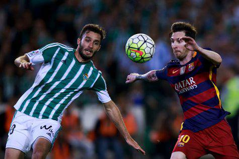 Pezzella e Messi (Getty Images)
