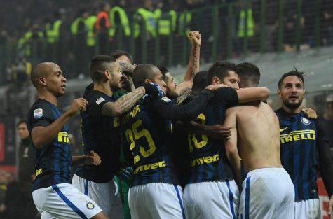 Perisic festeggiato dai compagni - Inter.it