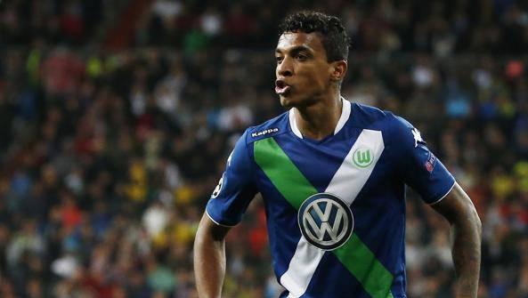 Inter, a centrocampo nuovi contatti per Luiz Gustavo: tutti i dettagli