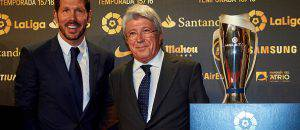Simeone con Enrique Cerezo (Getty Images)