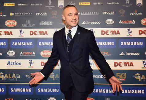 Inter Napoli striscione curva Nainggolan