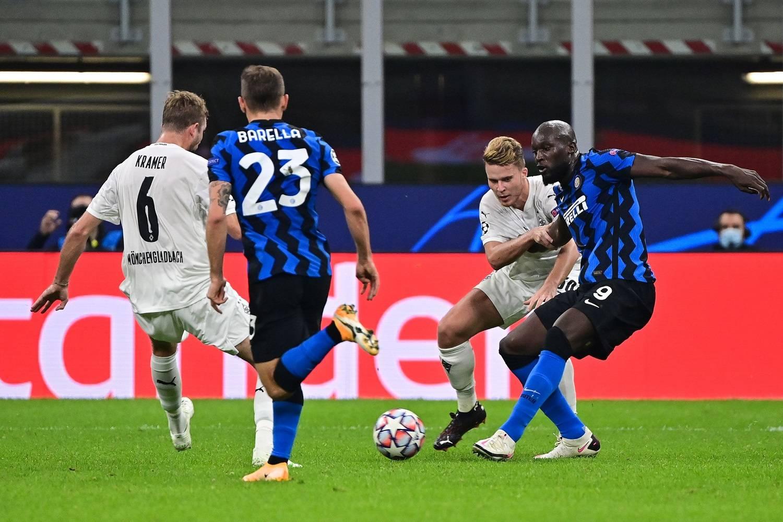 Borussia Mönchengladbach-Inter 2-3: Lukaku tiene in corsa i nerazzurri
